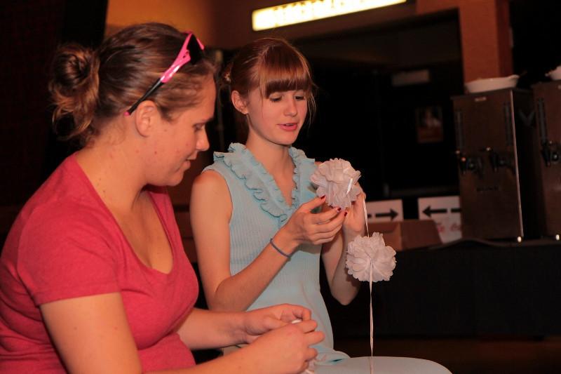 SIRESudsScenesSecretariat-Laura & Leah (800x533).jpg
