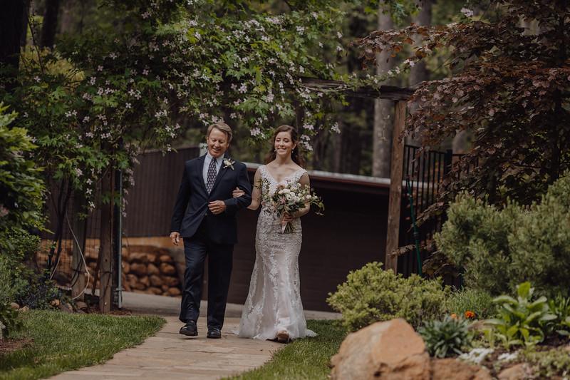 2018-05-12_ROEDER_JulieSeth_Wedding_DUSTIN1_0055.jpg