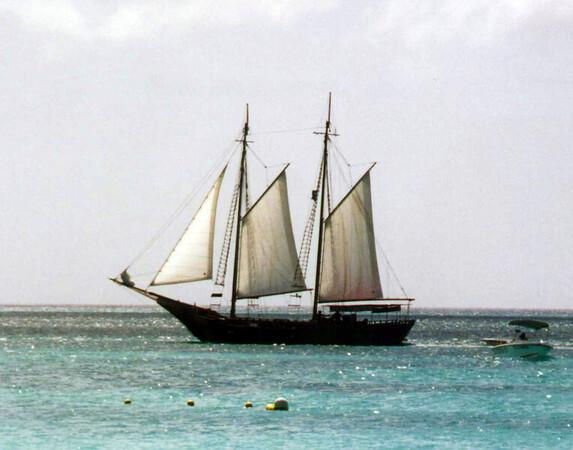 Aruba 2000