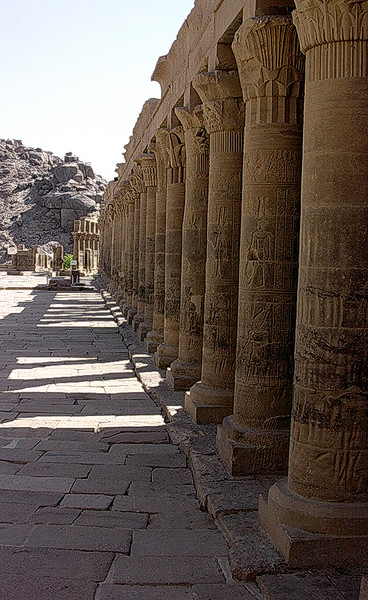 Søylegang i Philaetemplet ------------------------------- Colonnade in Temple of Philae (Foto: Ståle)