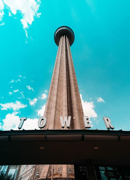 Tower of the Americas lookup 1.jpg
