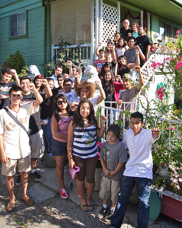 PODER SF and CBE Youth EJ visit Juana & Ricardo Gutierrez