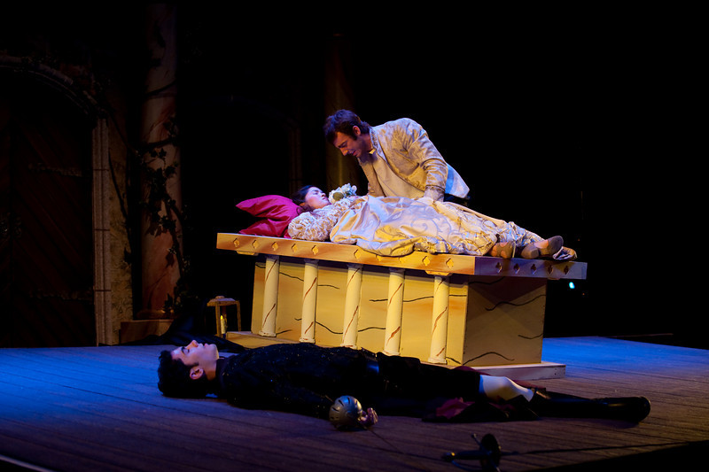 Romeo_Juliet-330.jpg