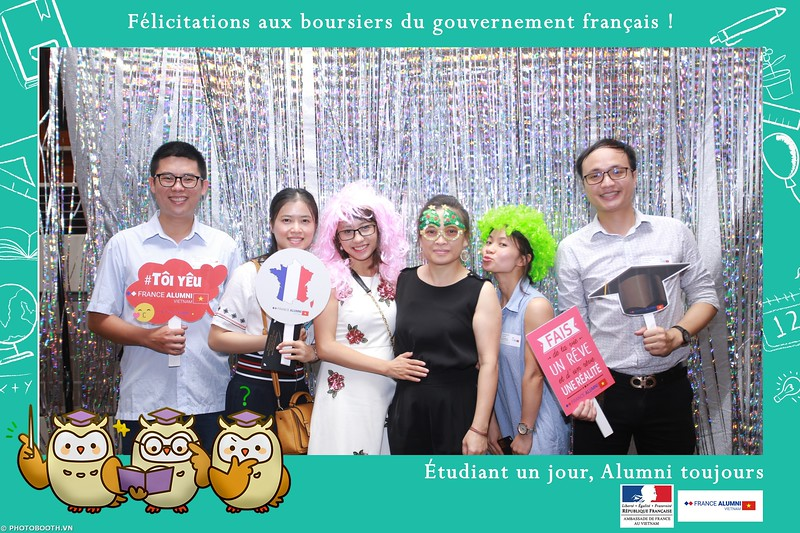 France-Alumni-Vietnam-photobooth-at-Franch-Embassy-Vietnam-photobooth-hanoi-in-hinh-lay-ngay-Su-kien-Lanh-su-quan-Phap-WefieBox-photobooth-vietnam-056.jpg