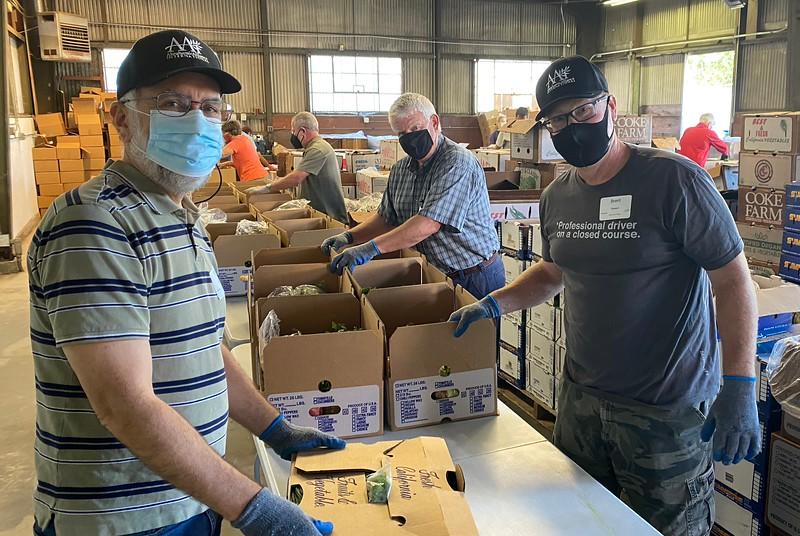 abrahamic-alliance-international-abrahamic-reunion-compassion-farm-box-packing-san-jose-2021-09-13-veggielution-warehouse-22-25-02-eva-lippmann.jpeg