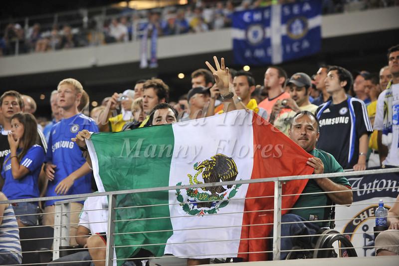 July 26 2009 World Football Challenge - Chelsea FC v Club America: CA fans in action at the Cowboys Stadium in Arlington, Texas.Chelsa FC beats Club America 2-0.