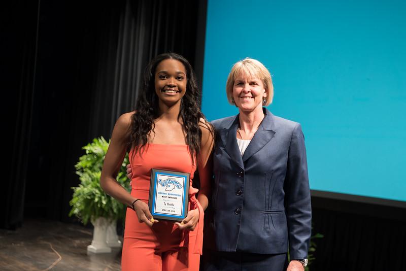 DSC_5982 Student Athletic Awards April 29, 2019.jpg