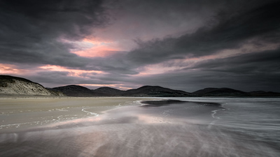 Light on Luskentyre