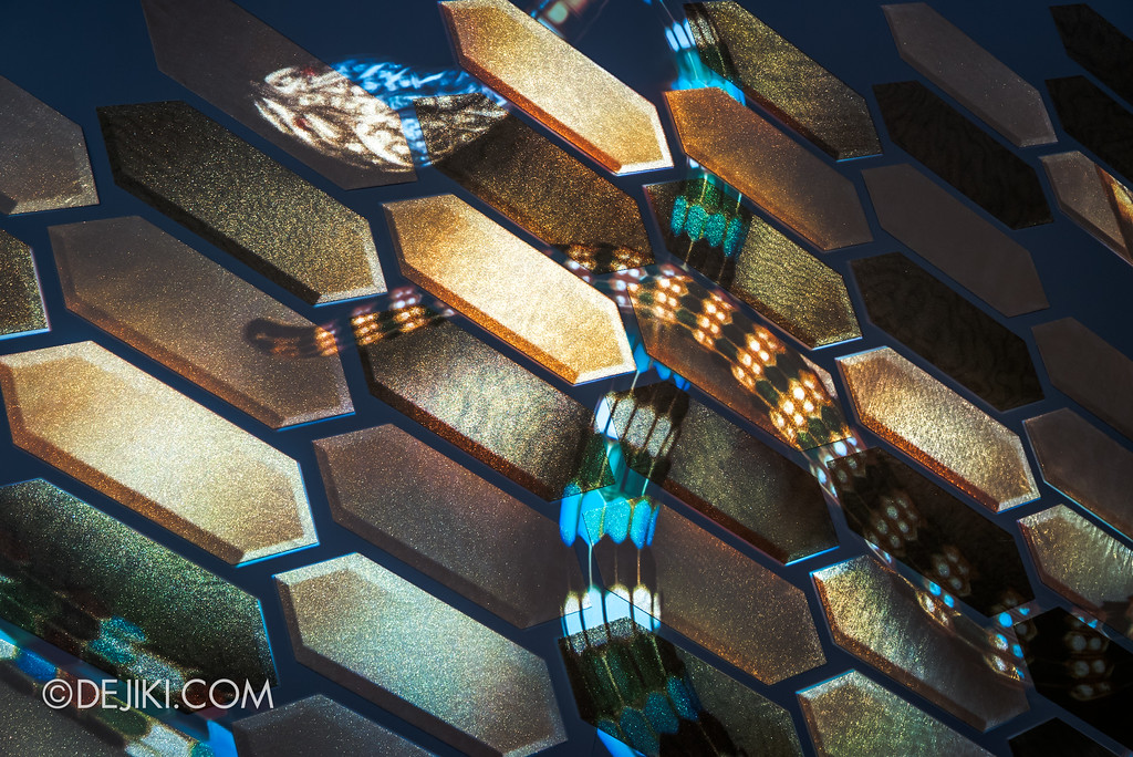 Bulgari SERPENTIform exhibition at ArtScience Museum, Marina Bay Sands - projection mapping golden scales