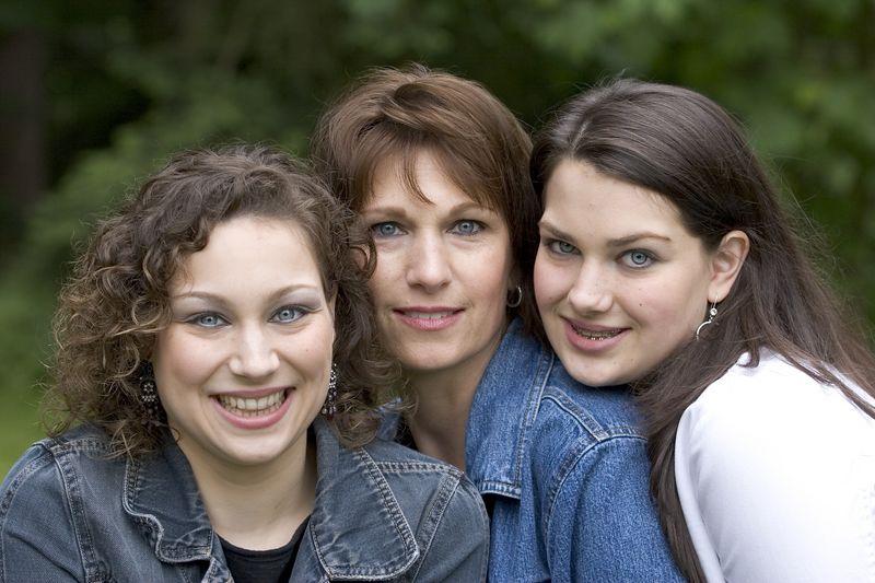 Family_T057.jpg