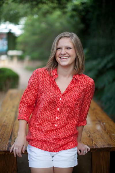 Courtney : Senior Pictures