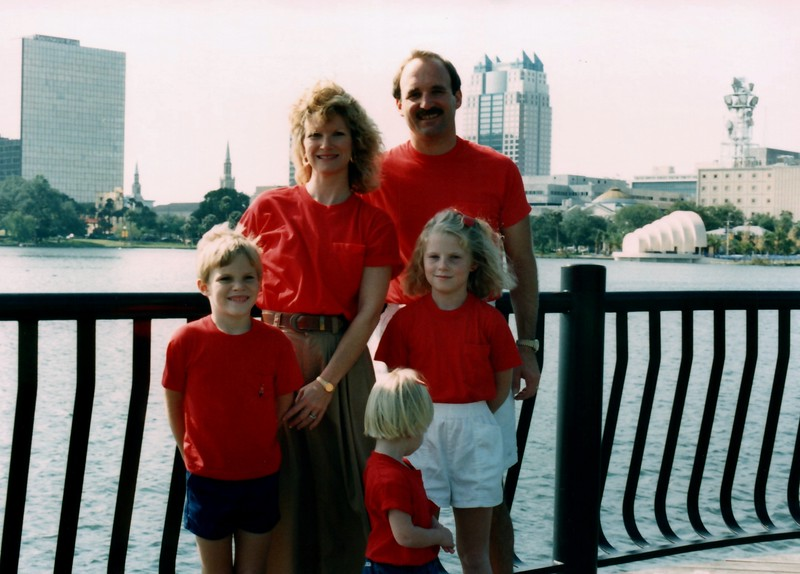 1989_December_Christmas_picture_sessions_in_orlando_0009_a.jpg