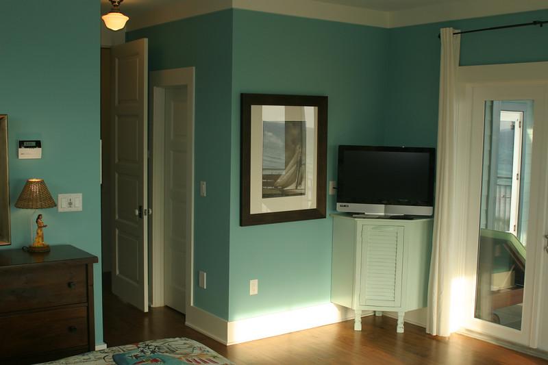 third floor master bedroom- tv