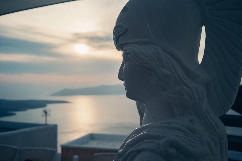 Tu-Nguyen-Wedding-Photography-Videography-Hochzeitsfotograaf-Engagement-Santorini-Oia-Greece-Thira-65.jpg