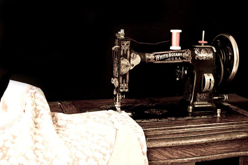 20131112 Sewing Pillowcases-6192-2 edited.jpg