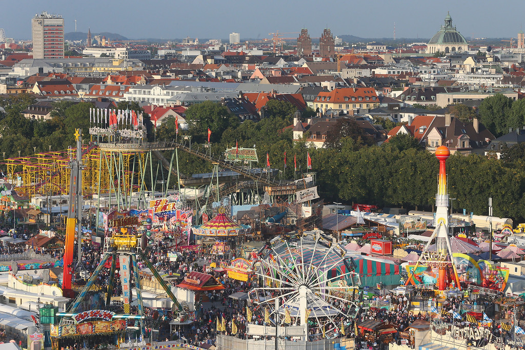 . General view during day 1 of the Oktoberfest 2013 beer festival at Theresienwiese on September 21, 2013 in Munich, Germany. The Munich Oktoberfest, which this year will run from September 21 through October 6, is the world\'s largest beer fest and draws millions of visitors.  (Photo by Alexander Hassenstein/Getty Images)