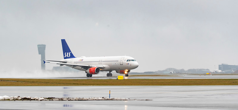 SAS take off 2.jpg