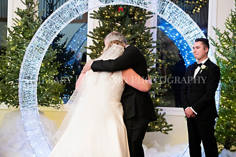 Hillary_Ferguson_Photography_Melinda+Derek_Ceremony065.jpg