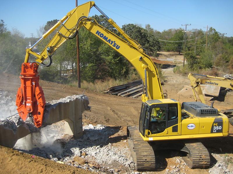 NPK M38G concrete pulverizer on Komatsu excavator-concrete recycling (3).jpg