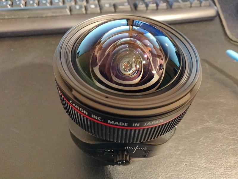 Canon TS-E 17mm 4L Tilt-Shift - Serial UZ0700 005.jpg