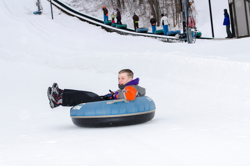 Opening-Day-Tubing-2014_Snow-Trails-71000.jpg