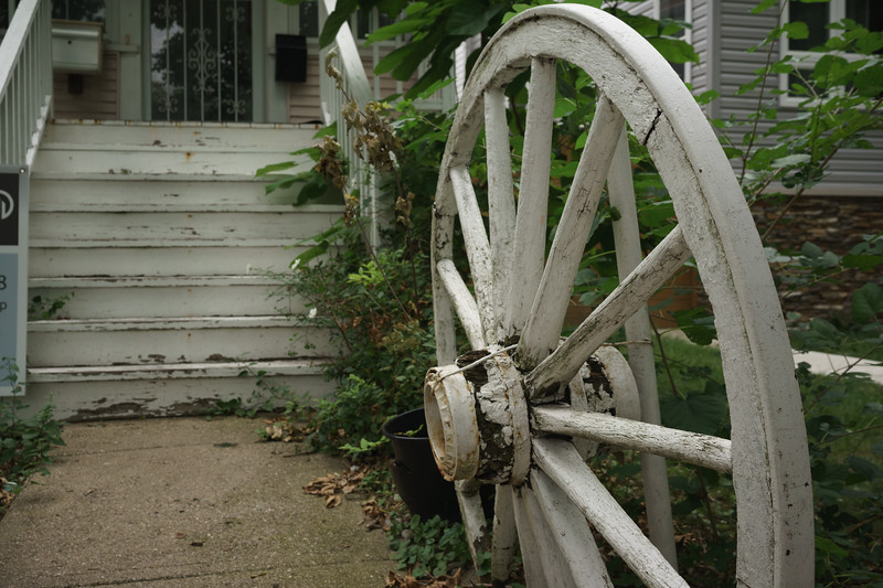 Wagon Wheel entryway