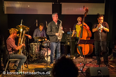 Jesper Zeuthen PLUS 06/09 2013