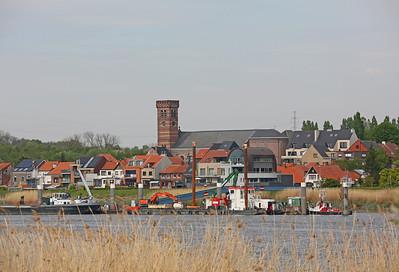 Steendorp vanover de Schelde