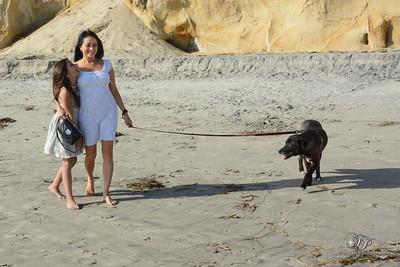 Maria & Sylvia, At the Beach