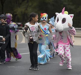 storybook-parade-kicks-off-halloween-early-at-owens-elementary-school