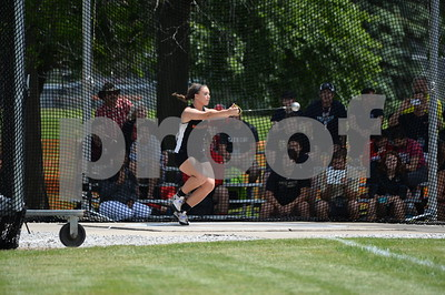 ut-tylers-simmons-wins-national-hammer-throw
