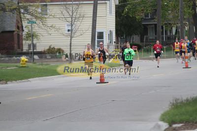 Half Marathon Start Wave 1 - Lets Move Festival of Races