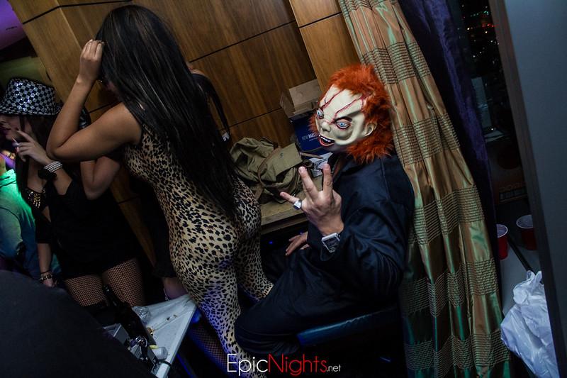 103013 Halloween Suite Party-7149.jpg