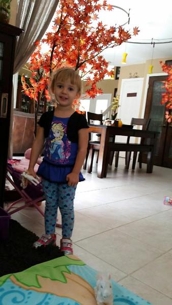 Jolie 3-4 years