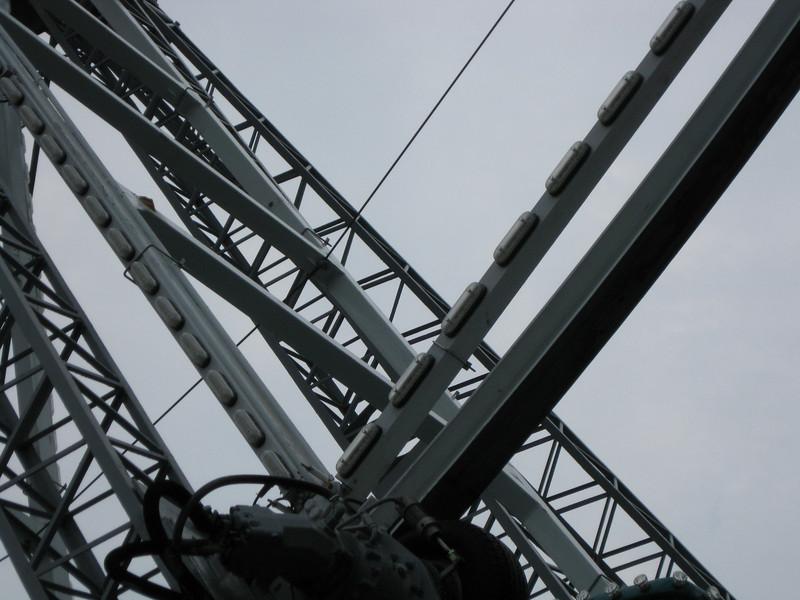 New LED light bars were installed on the Giant Sky Wheel frame.