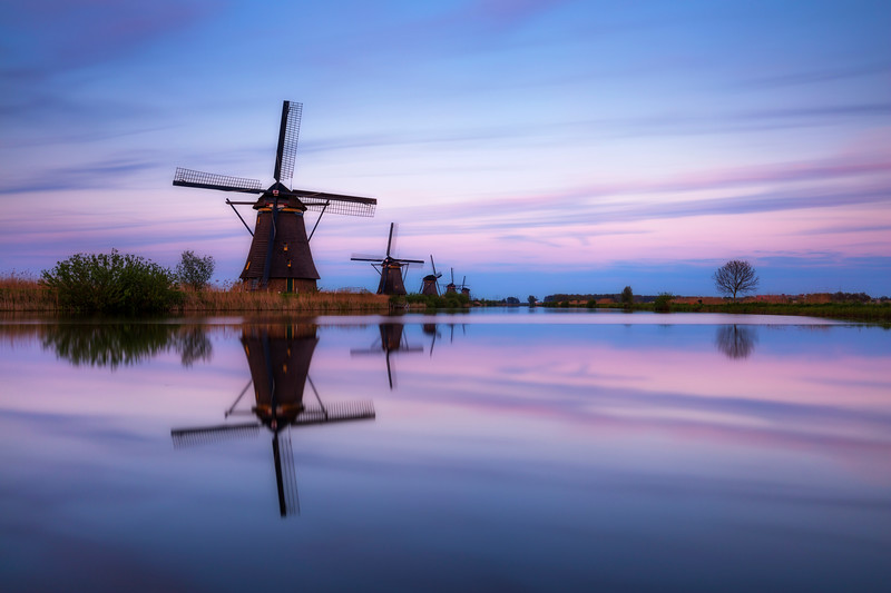Kinderdijk sunset sunrise windmills district holland rotterdam netherlands 2.jpg