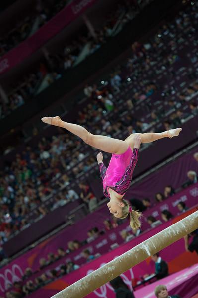 __02.08.2012_London Olympics_Photographer: Christian Valtanen_London_Olympics__02.08.2012__ND43978_final, gymnastics, women_Photo-ChristianValtanen