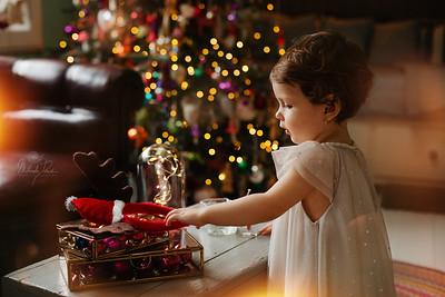 Sonia + Otilia - A Christmas Tale