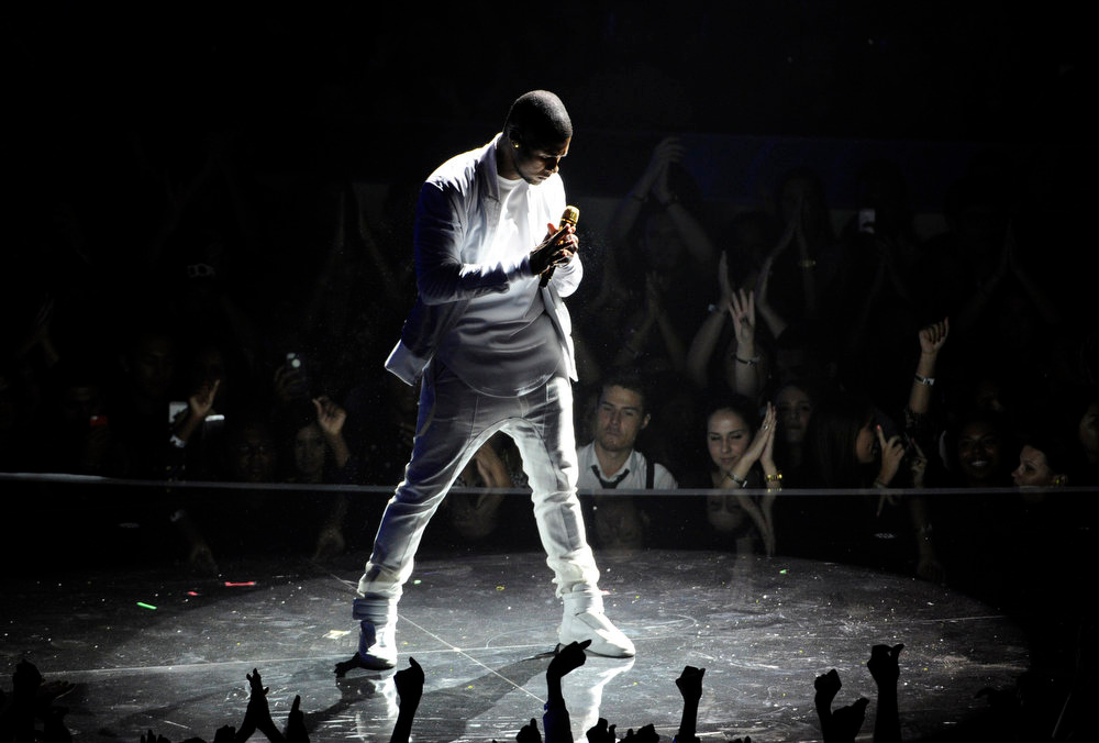 . Usher performs at the MTV Video Music Awards at The Forum on Sunday, Aug. 24, 2014, in Inglewood, Calif. (Photo by Chris Pizzello/Invision/AP)