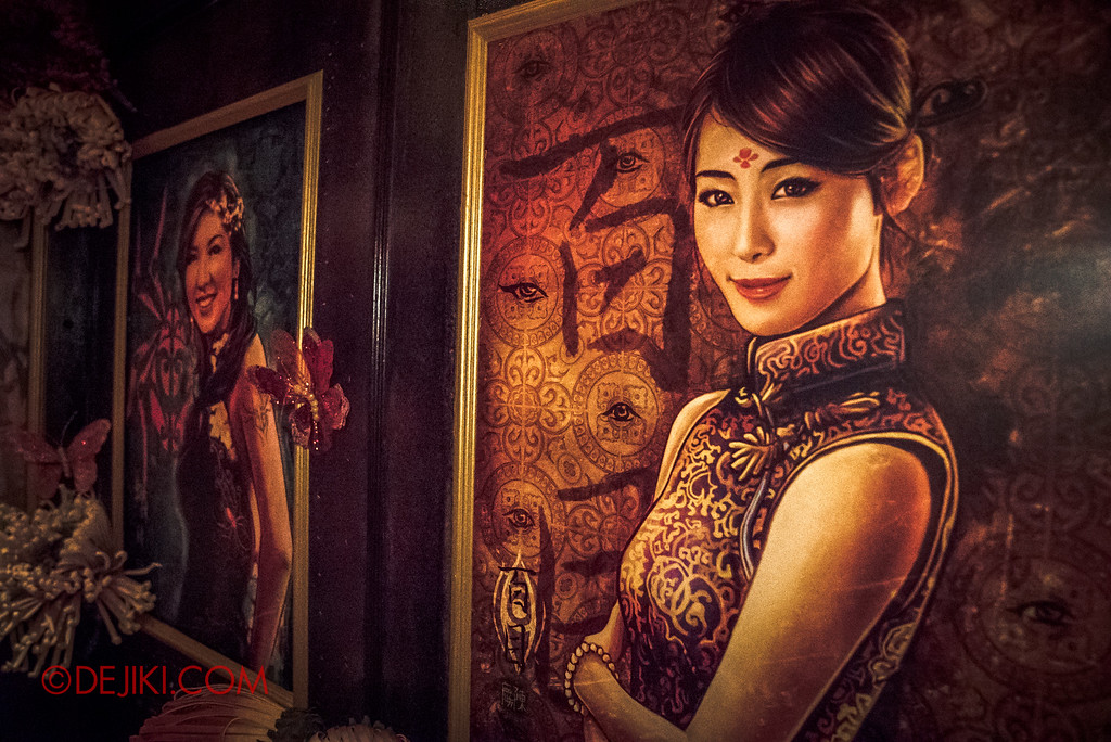 Halloween Horror Nights 6 - Hu Li's Inn / Hallway of Posters