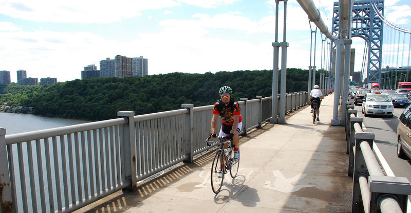 Bike-Blog-NYC-on-George-Washington-Bridge-DSC_0056.jpg
