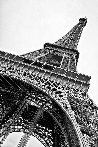Paris Eiffel tower Nik  00724 denoise.jpg