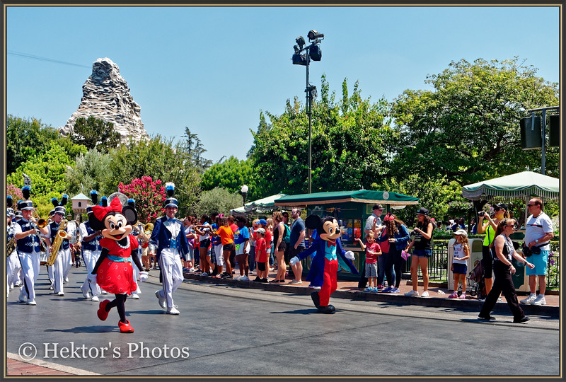 Disneyland Leica Q-11.jpg