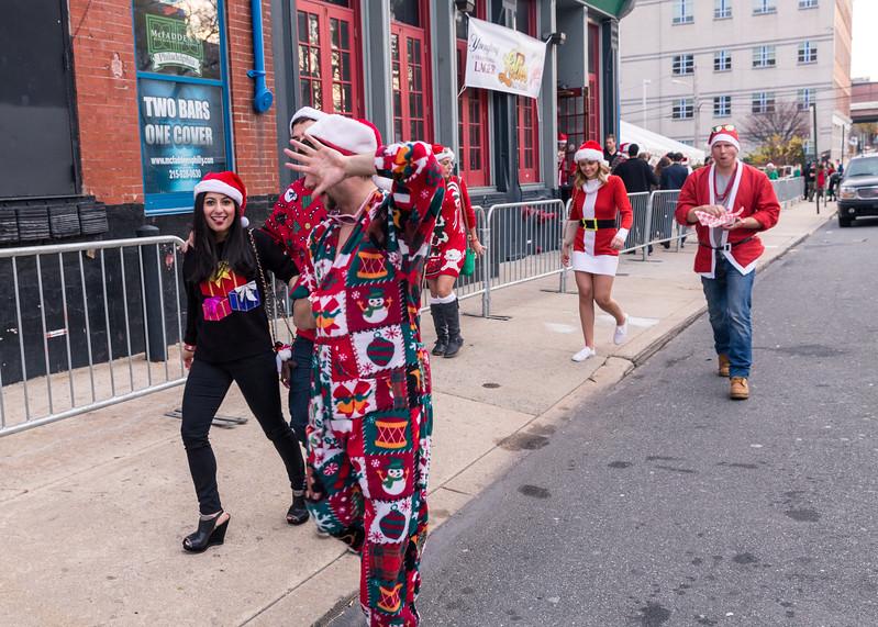 Running with Santa Philadelphia 12-12-2015-3228.jpg