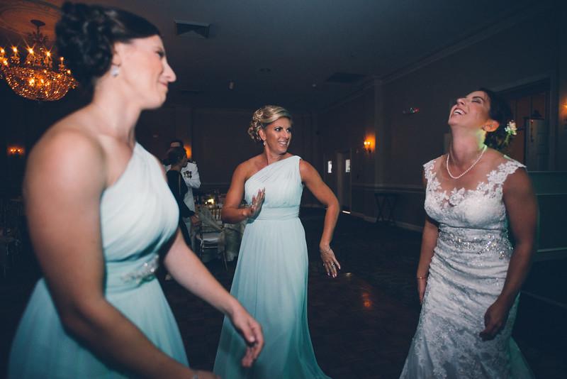 Philadelphia Wedding Photographer - Bernreuther-784.jpg