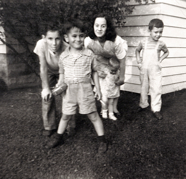 Aunt Donna, Uncle Butch, Edwin &  Colleen Aug 19 1948.JPG