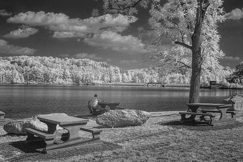picnic table_3579.jpg
