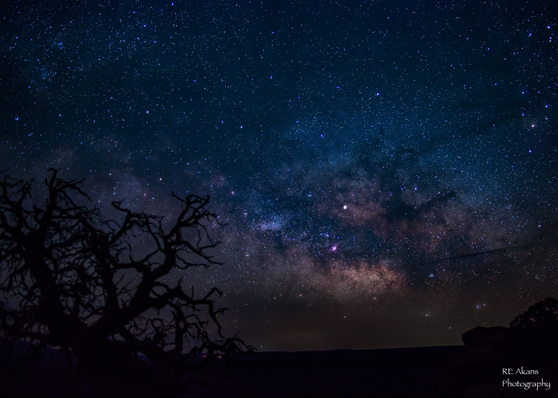 Made from 8 light frames (captured with a Canon camera) by Starry Landscape Stacker 1.4.5.