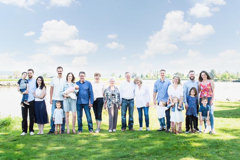 megan-family2018-11.jpg