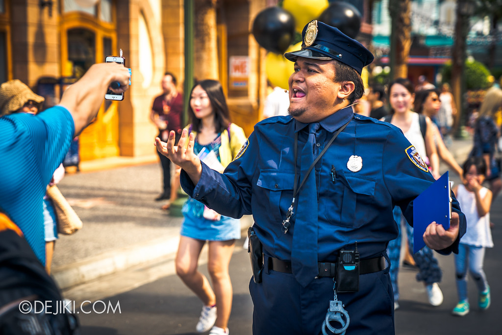 Despicable Me Breakout Party at Universal Studios Singapore / Policeman patrolling Hollywood